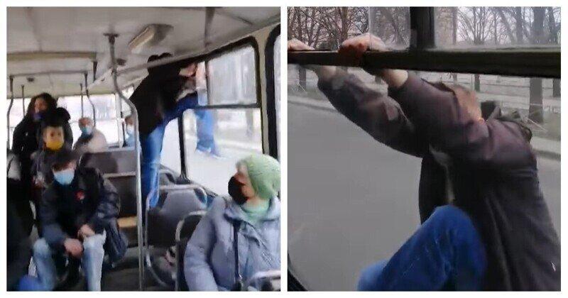 """Случай в транспорте: """"заяц"""" превратился в человека-паука"""
