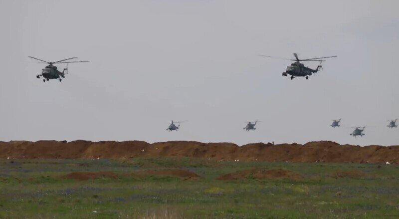 МО показало подготовку к основному этапу учений в Крыму, который проходит сегодня