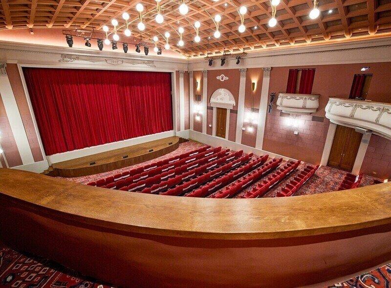 В Москве после семи лет реставрации открылся старейший кинотеатр «Художественный»