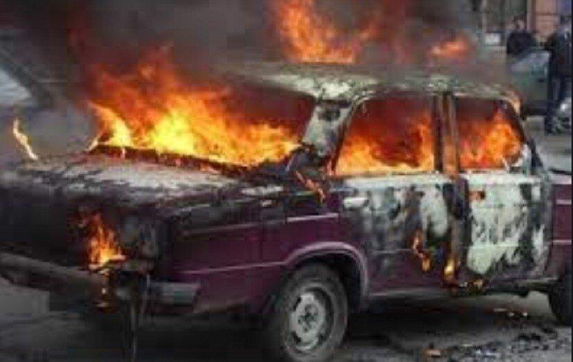 Задержанный ДПС пьяный пенсионер спалил свою машину и чуть не сгорел сам: видео