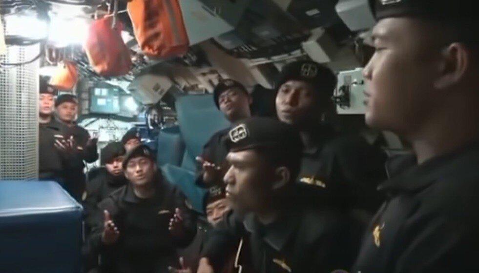 Запись прощальной песни погибших подводников попала в сеть