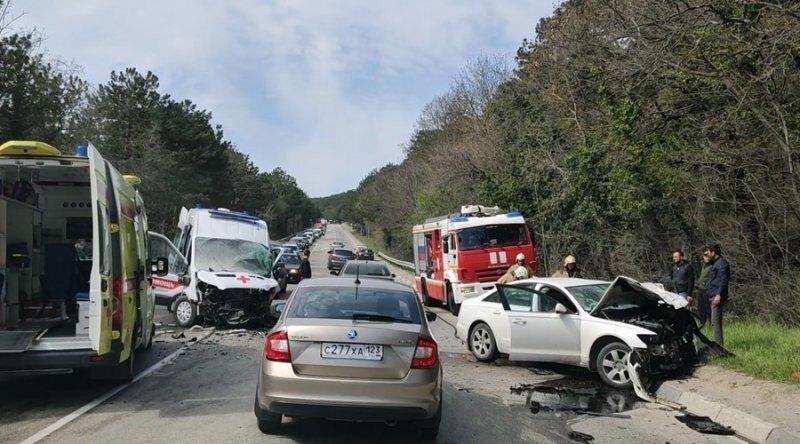 Авария дня. Смертельное столкновение со «скорой» в Крыму