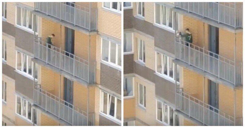 Лень и свинство: подросток выгулял собаку на общем балконе и сбросил вниз пакет с мусором