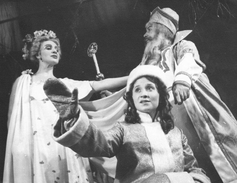 Сказка-пьеса Островского «Снегурочка»: как автору удалось так гармонично объединить в произведении два жанра?