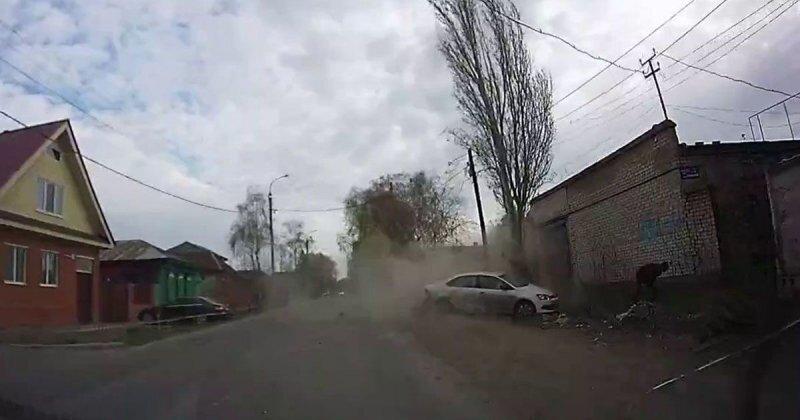 Авария дня. В Башкирии водитель «Поло» погиб, врезавшись в дерево