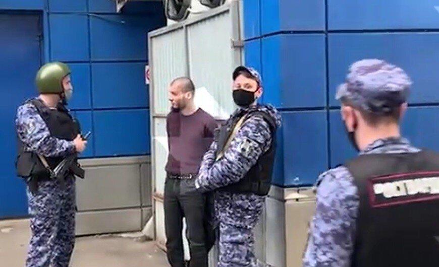 В Москве мужчина оказал сопротивление и открыл огонь по бойцам Росгвардии
