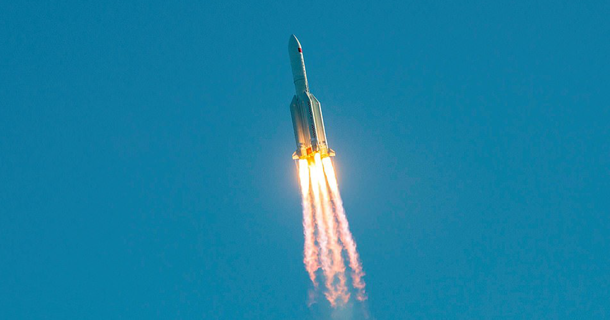 На этих выходных на Землю упадет неконтролируемая китайская ракета