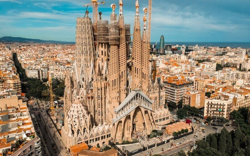 Архитектор Антонио Гауди: 7 лучших проектов