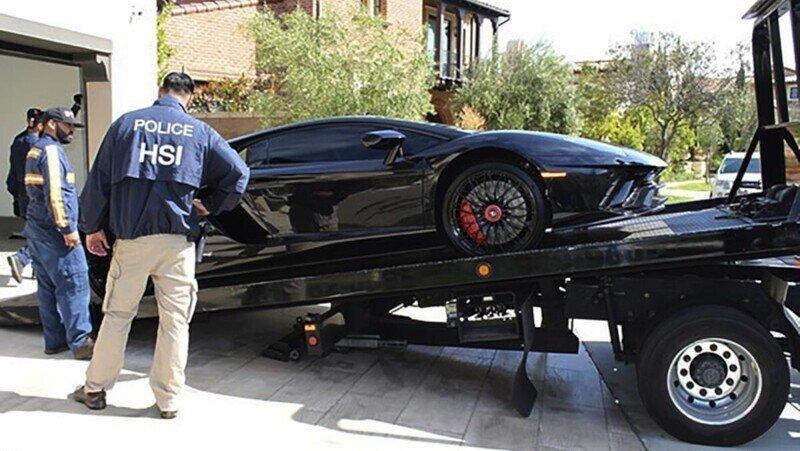 Мужчина обманом получил государственные 370 млн рублей на выплату зарплаты, но спустил их на авто