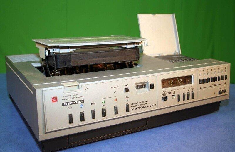 7 советских кассетных видео магнитофонов. Когда кассеты были большими