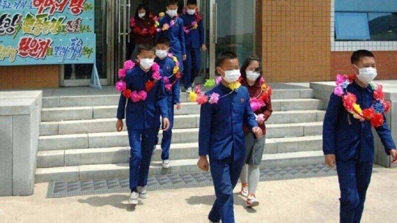 Северокорейские сироты просятся в шахты