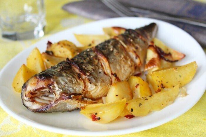 Очень вкусная СКУМБРИЯ (запекается вместе с картошкой)
