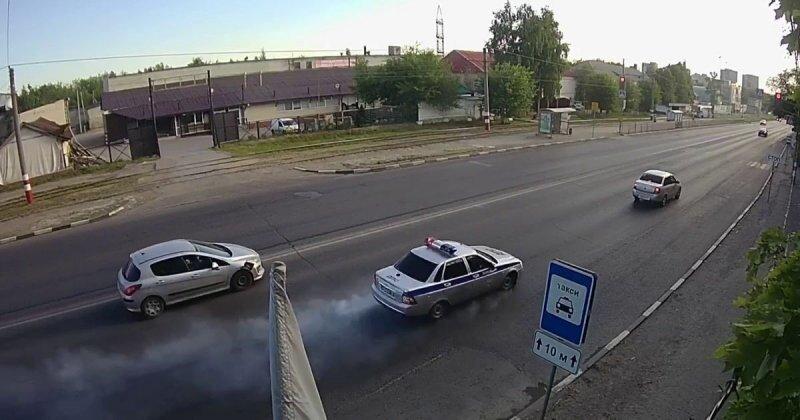 В Ульяновске во время погони машина ДПС  попала в аварию