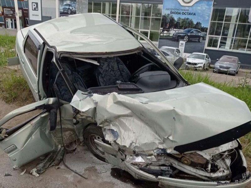 Авария дня. Автомобилистка устроила серьезное ДТП в Коми