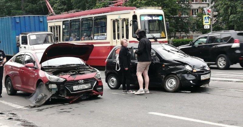 Автомобилистка потеряла сознание после ДТП в Петербурге