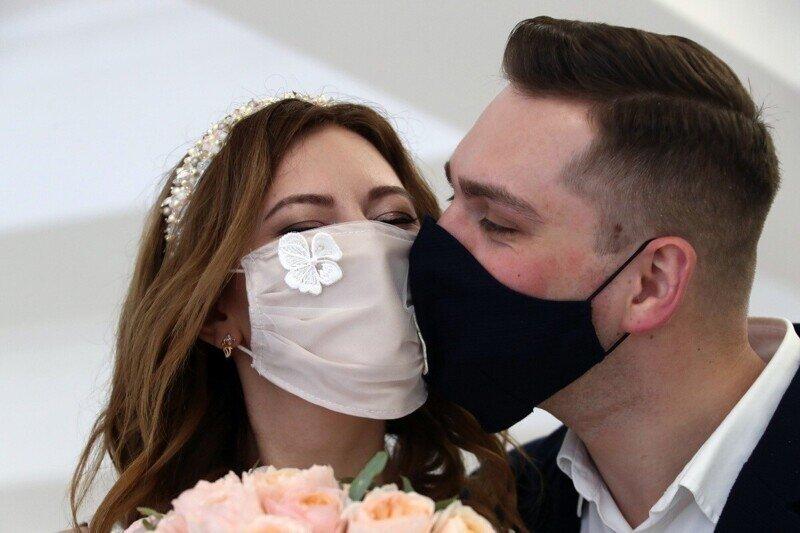 Без прививки не распишут: в Нижегородской области ЗАГС открыт только для избранных