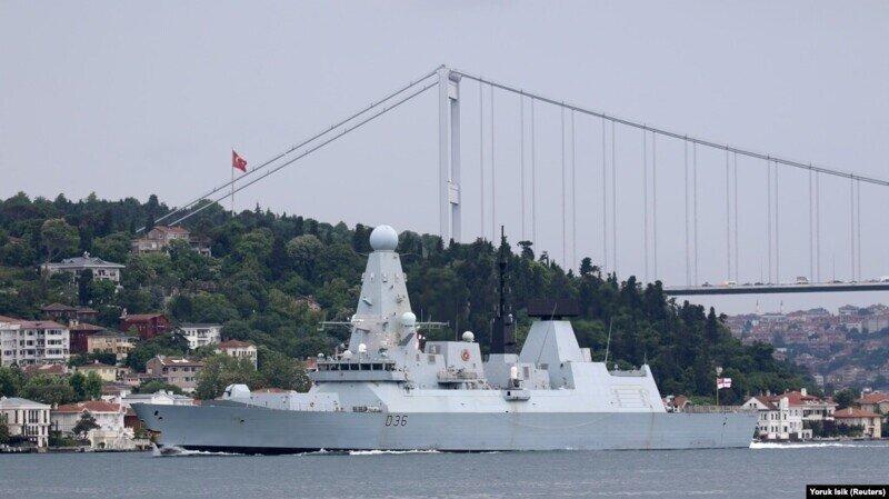 Минобороны вызвало британского атташе после ЧП с эсминцем Defender