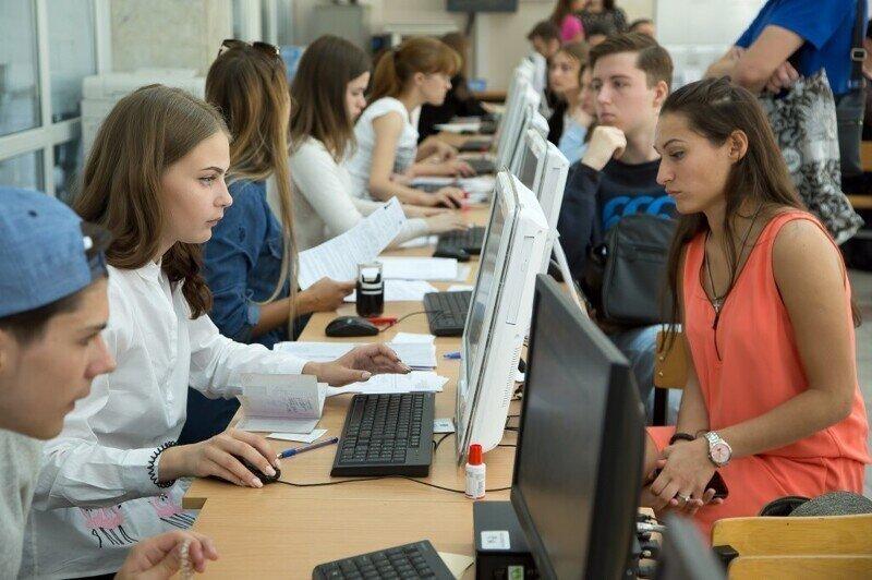 Приемные экзамены будут принимать онлайн