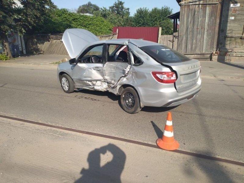 Авария дня. ДТП со скорой помощью в Орле