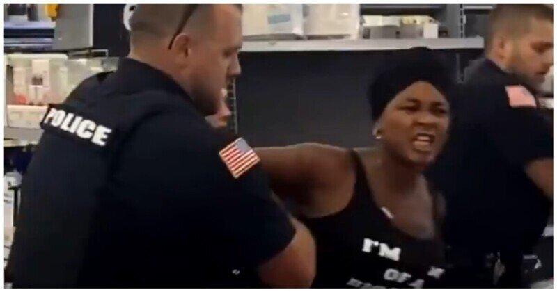 Женщина пожалела, что попыталась укусить полицейского