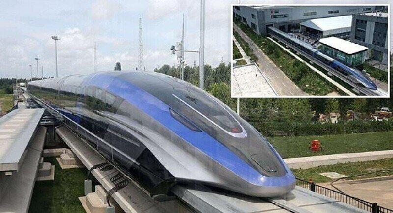 В Китае запустили самый быстрый в мире поезд