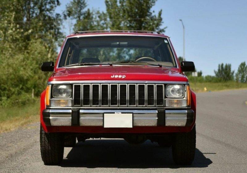 Jeep Cherokee в состоянии «капсулы времени»: заветная мечта пацанов из девяностых