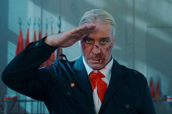 Почему лидер Rammstein помешался на Советском Союзе и захотел стать «своим» для русских