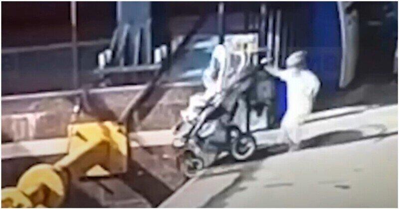 Двое маленьких  детей упали с платформы вокзала в Санкт-Петербурге