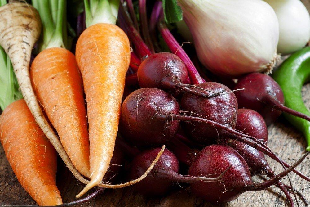 Борщ недоступен: причины роста цен на свеклу, морковь и картофель