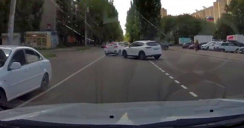 Вторая попытка оказалась удачной: невнимательный водитель из Воронежа