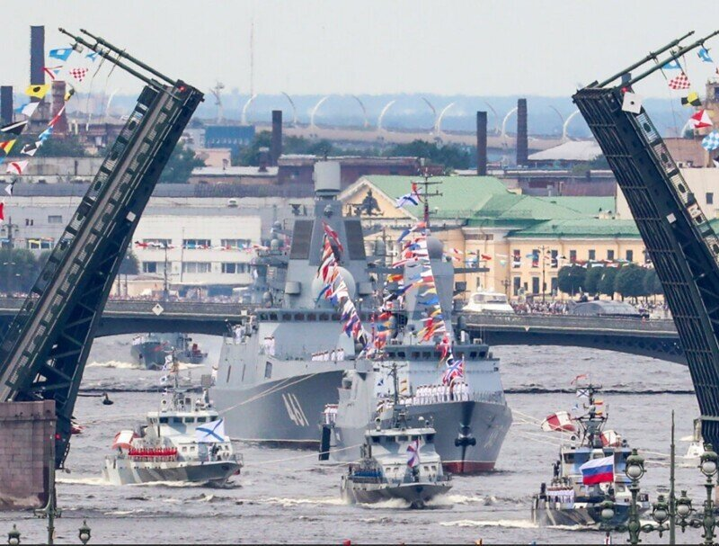 В День ВМФ Россия показала достоинства военно-морского флота
