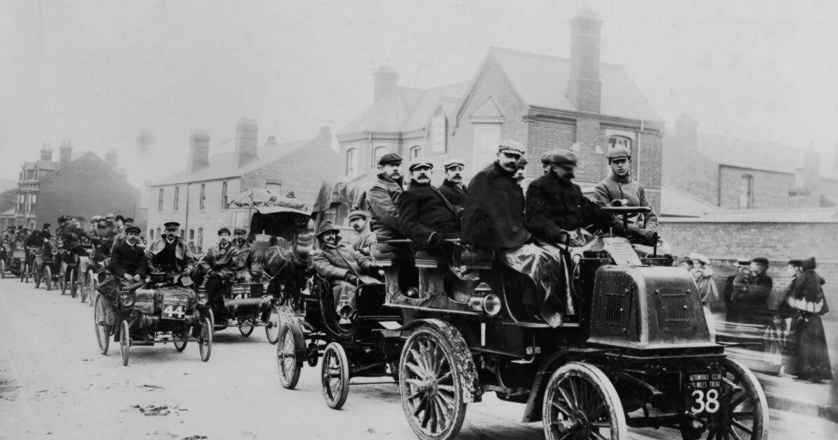 Удивительные старинные снимки гонки 1000-мильной гонки 1900 года