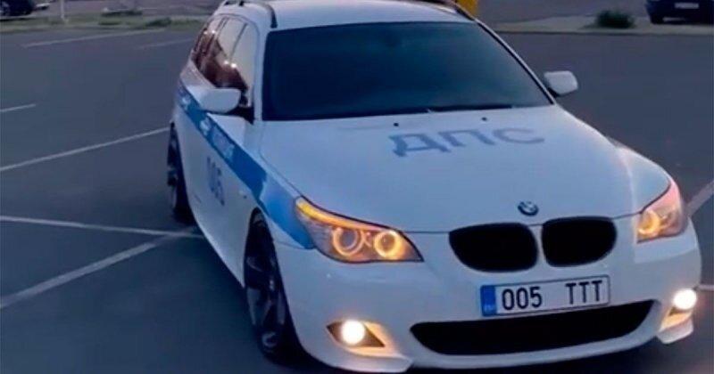 На девушку изЭстонии завели уголовное дело за то, что она оклеила свой BMWвцвета российской ДПС