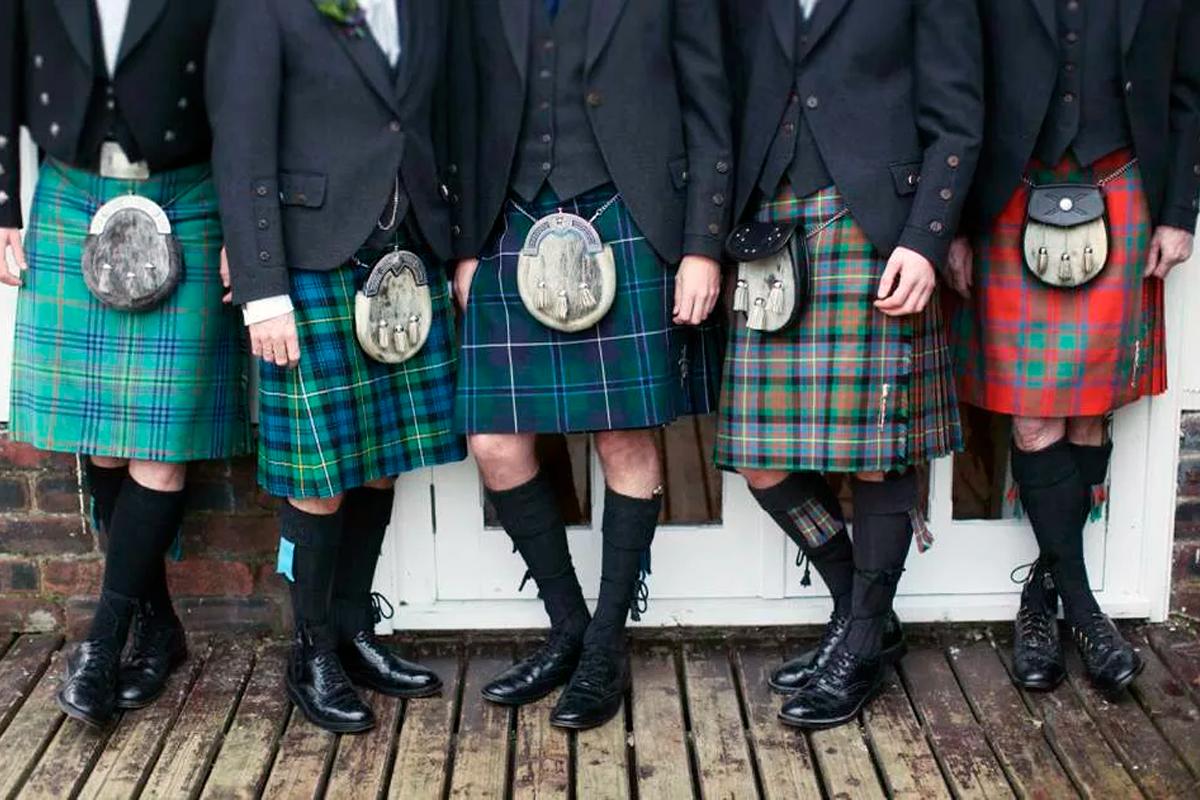 Почему шотландцы с 16 века резко начали носить юбки?