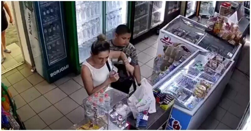 Цыганёнок воровал в магазине товар, пока его мама отвлекала продавца