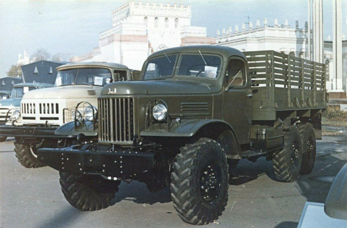 Выставка грузовиков СССР на ВДНХ