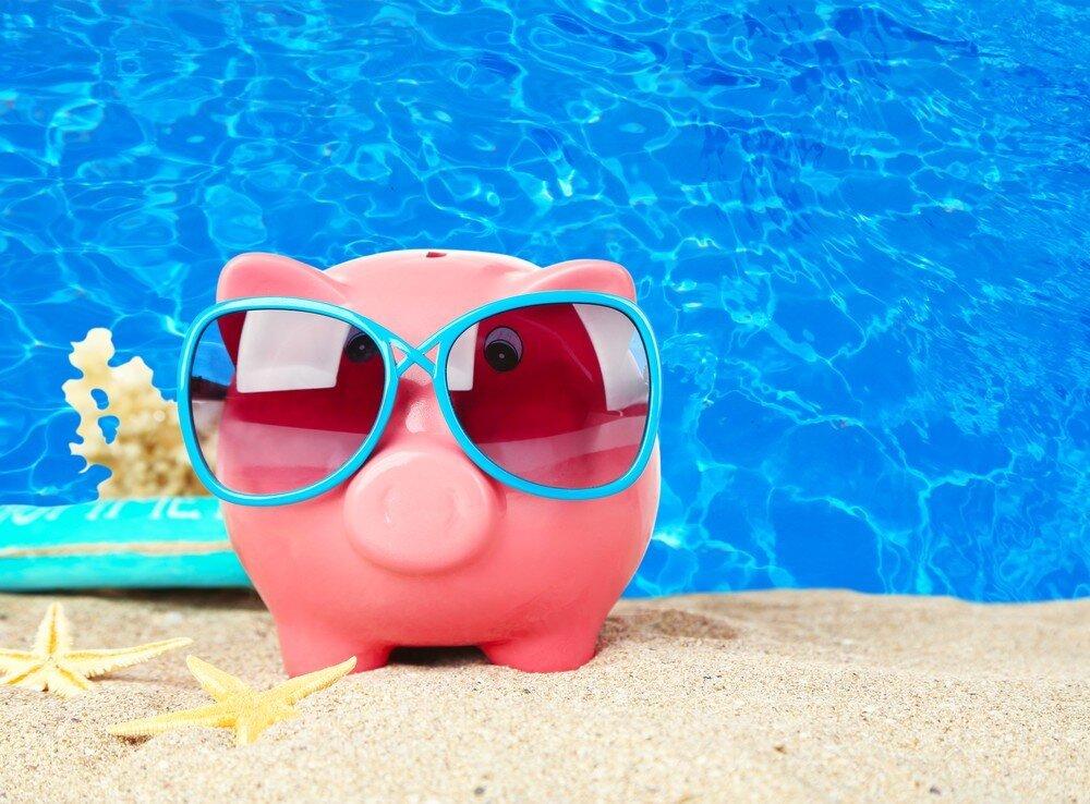 Убыточный отдых: чем обусловлена меньшая зарплата после выхода из отпуска?