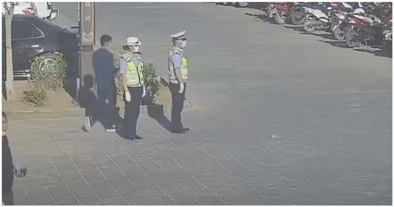 Мужчина порадовал дорожных полицейских