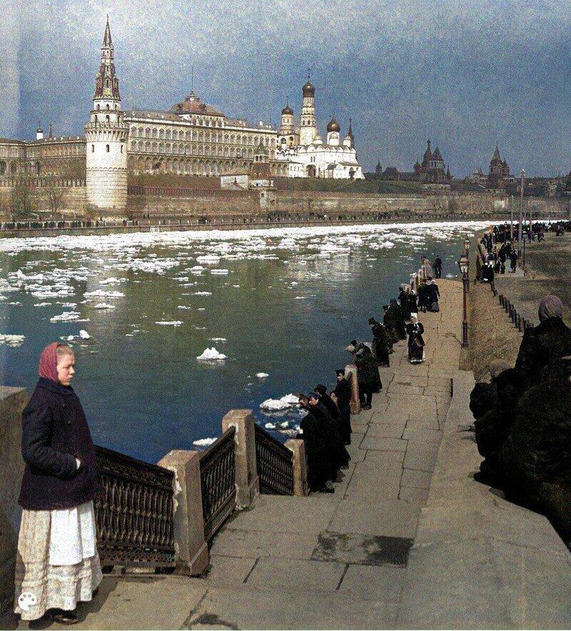 Цветные фотографии Москвы, жизнь улиц и архитектура 1860-1899гг. 2ч