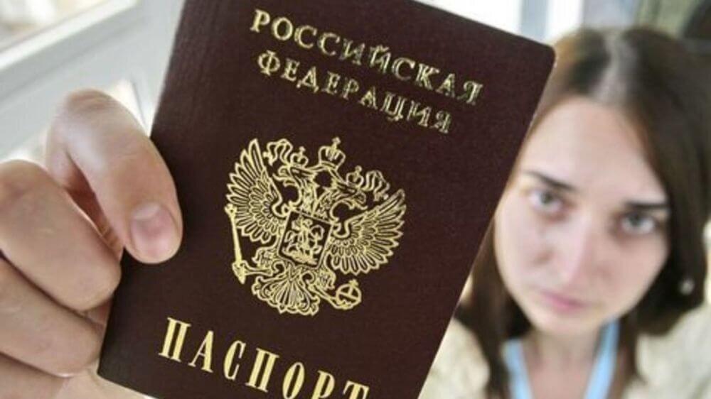 А что, так можно было: россиянка обратилась в полицию и узнала, что уже 20 лет числится покойницей