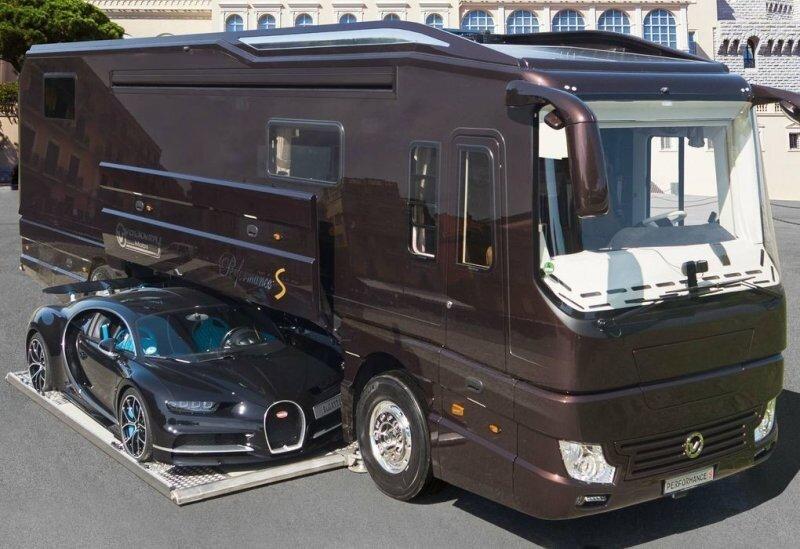 Роскошный «особняк» на колесах с гаражом для Bugatti Chiron