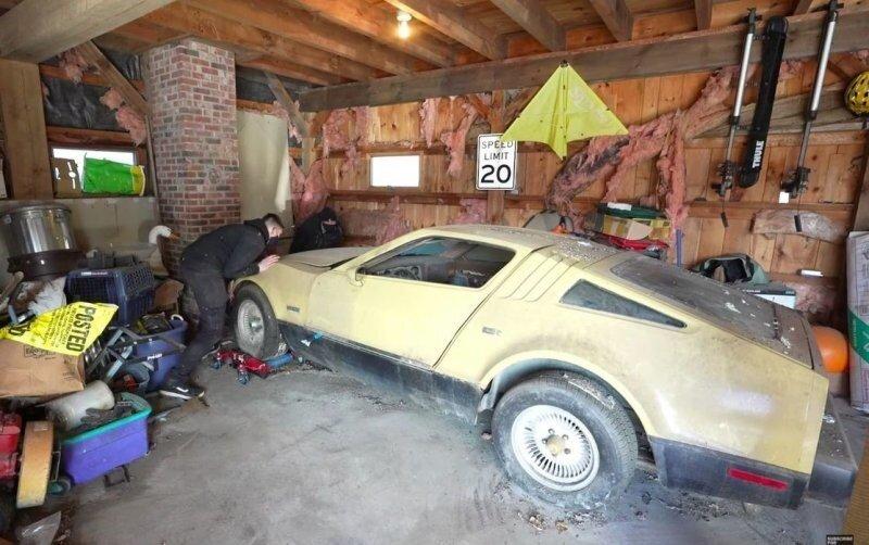 Редкий спортивный автомобиль, простоявший без движения 21 год, отправился на мойку