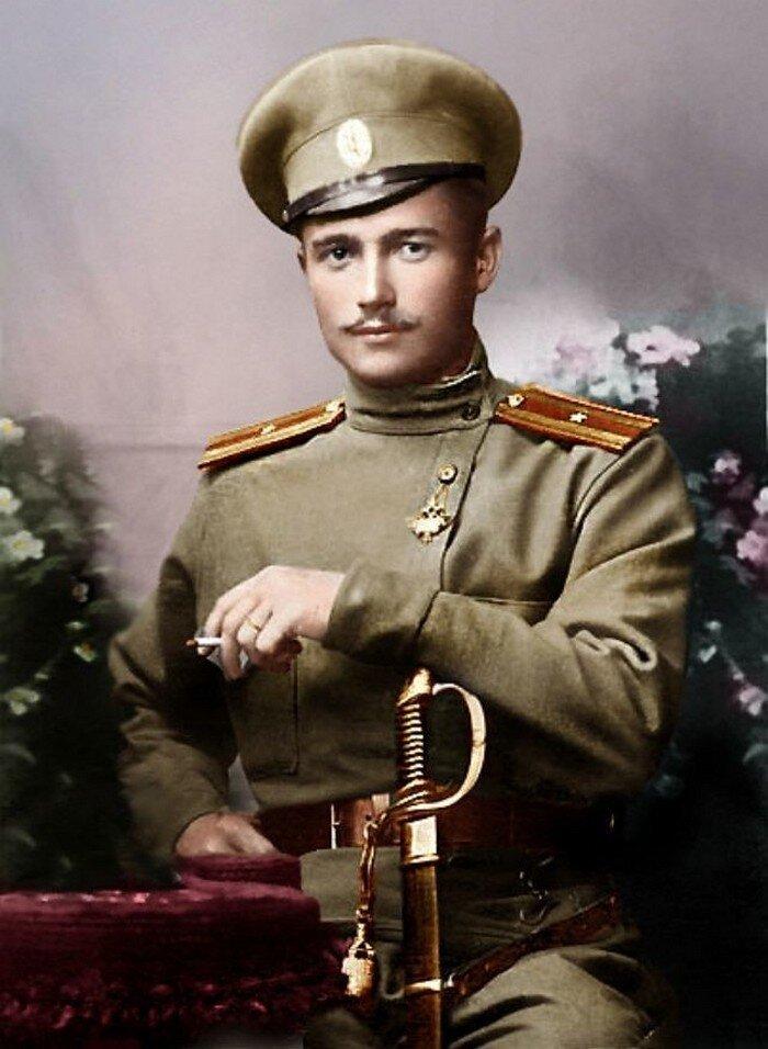 Фотографические портреты младших офицерских чинов царской армии (прапорщики)