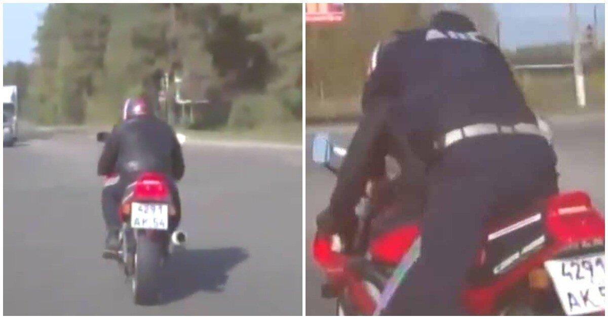 Автоинспектор на ходу запрыгнул на мотоцикл пьяного лихача