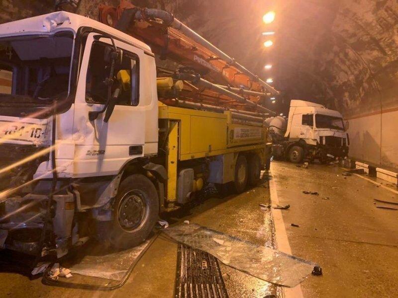 Авария дня. Массовое ДТП в сочинском тоннеле