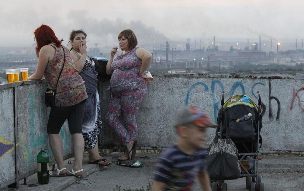В Госдуме решили запретить тратить детские пособия на алкоголь и табак