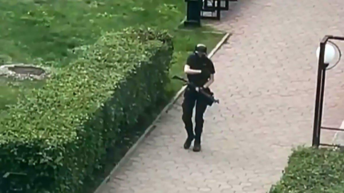 Рассылал личные фотографии: бывшая девушка пермского стрелка рассказала о причинах расставания