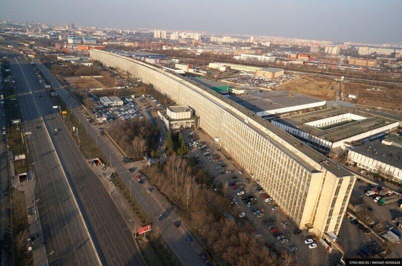 «Лежачий небоскреб» на Варшавском шоссе