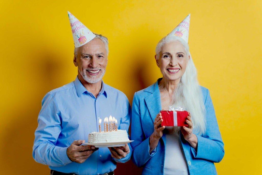 63 идеи что подарить бабушке на День Рождения