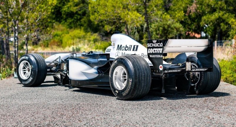 Настоящий гоночный болид McLaren выставили на аукцион